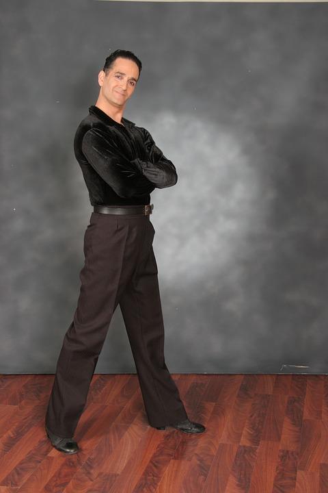 社交ダンスを楽しんでいる人とは?こんな方にお勧めします